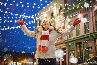 Mikołaj i Śnieżynka – ile (nie) zarobią w tym roku? Prezentujemy stawki w świątecznych zawodach