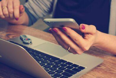 TOP3 sposoby, jak ograniczyć używanie smartfona w pracy